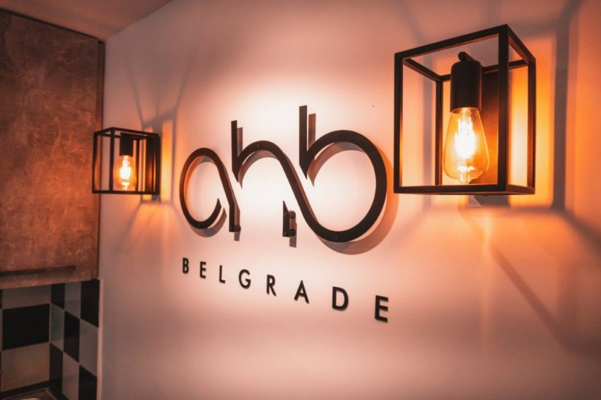 Frizerski salon OHB Belgrade by Miloš Pavlović Beograd
